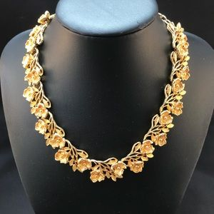 Vintage golden flower link necklace